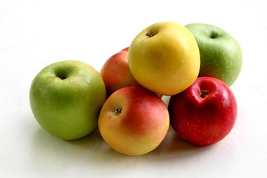 Apple Nutritional Facts & Health Benefits