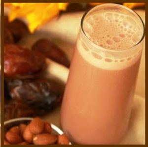 Date - almond - smoothie