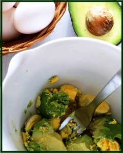 avocados-and-eggs